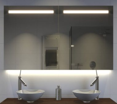 Badkamer spiegelkast met verlichting